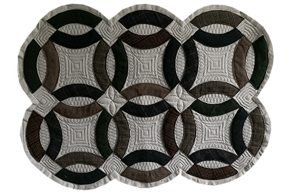 Wool Applique Double Wedding Ring Quilt | Quiltable