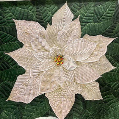Multifarious Dream Big Holiday Poinsettia Project | A Bit Orange | Quiltable
